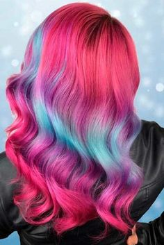 Purple ombre hair looks breathtaking and alternative color variations are surely mainstream nowadays. Pretty Hair Color, Beautiful Hair Color, Hair Color Pink, Blue Hair, Bright Hair Colors, Hair Dye Colors, Colorful Hair, Purple Ombre, Pink Blue