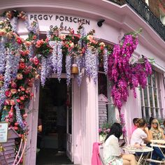 Hidden gem in London city City Of London, Gems, Christmas Tree, Sweets, Cakes, Explore, Holiday Decor, World, Pink