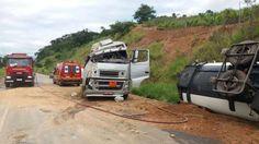 Carreta com etanol capota próximo ao trevo de Itamarati de Minas