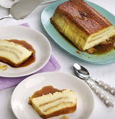 Necesitamos   80 gramos de caramelo líquido  200 gramos de azúcar  120 gramos de arroz  4 tiras de piel de limón  1000 gramos de leche  ...
