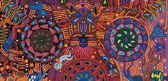 arte textil huichol artes de mexico..Nayarit   Huichol – Wixárikas   Los artistas textiles wixárikas son considerados las más hábiles en la república, elaborando bordados con hilos de colores para representar aves, venados, flores geométricas, maíz, peyote, fuego y el sol.  A diferencia de otros artes textiles del país, los huicholes han conservado la naturaleza de sus raíces. Sólo de esa manera reflejan la tradición y cultura a través de la chaquira, hilo y estambre con peculiar belleza.