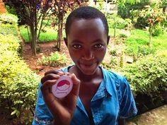 Mädchen in Ruanda helfen