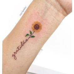 Mommy Tattoos, Dream Tattoos, Mini Tattoos, Future Tattoos, Body Art Tattoos, Small Tattoos, Sunflower Tattoo Small, Sunflower Tattoos, Rose Tattoos For Men