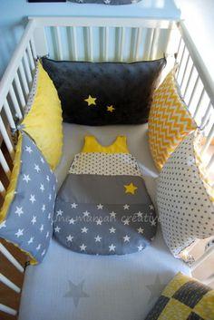 tour de lit chouettes et toiles jaune et gris b b. Black Bedroom Furniture Sets. Home Design Ideas