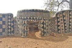 You will be marveled by this authentic monumental art of a small Burkina Faso village! - Funny brain training quizzes - Trivia - Interesting facts - Personality tests   Quizzclub.com