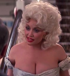 "Dolly Parton ✾ Busty in ""The Best Little Whorehouse in Texas"" Country Music Stars, Country Singers, Dolly Parton Costume, Joan Collins, Hello Dolly, Celebs, Celebrities, Musical, Actors"