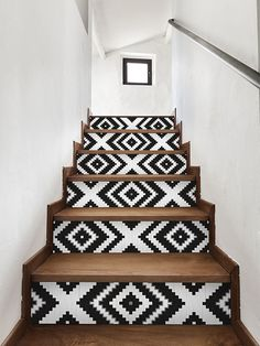 wallpaper on stairs risers - wallpaper on stairs . wallpaper on stairs wall . wallpaper on stairs risers . wallpaper on stairs staircases Interior Design Inspiration, Home Decor Inspiration, Decor Ideas, Diy Decoration, Creative Inspiration, Style At Home, Of Wallpaper, Wallpaper Stairs, Aztec Wallpaper