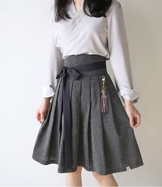 Such an simple yet sophisticated outfit. Love how it's paired with the hanbok skirt! Korea Fashion, Asian Fashion, Girl Fashion, Fashion Dresses, Womens Fashion, Fashion Design, Style Fashion, Korean Traditional Clothes, Traditional Fashion