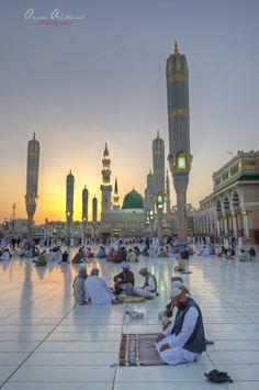 Praying, Al-Masjid al-Nabawi, Saudi Arabia by Omran Alahmad on Islamic Images, Islamic Pictures, Islamic Art, Masjid Haram, Al Masjid An Nabawi, Mecca Madinah, Mecca Masjid, Alhamdulillah, Medina Mosque