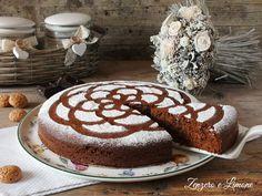 La torta di pangrattato è un dolce golosissimo e originale preparato con pane vecchio grattugiato, amaretti e cioccolato. Perfetta ricetta riciclo.