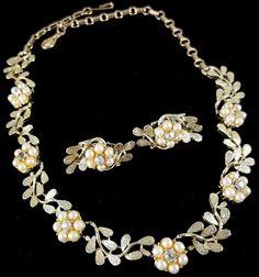 "Signed CORO Vintage 16"" Necklace & Earrings SET Pearl Flower Rhinestone Leaf J32"