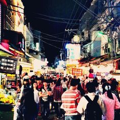 This is one of the biggest night markets! It's a freakin zoo! and a party of food and dranks!