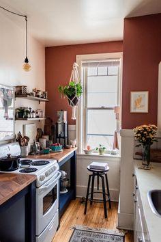 Living Room Interior, Kitchen Interior, Kitchen Decor, Kitchen Ideas, Rental Kitchen, New Kitchen, Cute Kitchen, Kitchen Taps, Beautiful Kitchen
