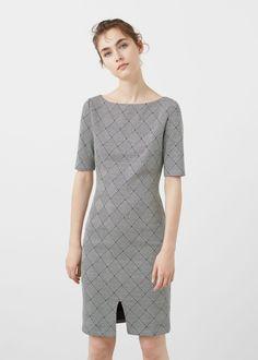 Printed cotton dress REF. 71013596 - TRENA $79.99 Color: ecru Geometric print Fitted design Round neck Short raglan sleeve Front cutout Back zip closure Lining