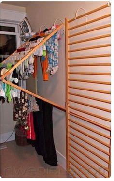 Varal vertical para pequenos espaços