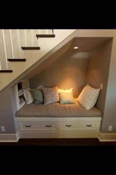 Incredible Under The Stairs Utilization Ideas Under stairs storage, ideas for the basement stairs some day.Under stairs storage, ideas for the basement stairs some day. Interior Stairs, Stair Nook, Room Under Stairs, Basement Decor, House Interior, Coastal Living Rooms, Remodel Bedroom, Stairs Design, Basement Stairs