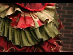 Bustle tutorial perfect for ren faire, medieval faire, cons, cosplays, steampunk, or just for fun :)