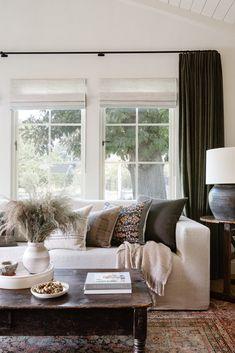 Room Inspiration, Home And Living, Decor, Interior Design, House Interior, Family Living Rooms, Home, Family Room, Home Decor