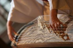 Koto - National Japanese Instrument Do you know this instrument? Have you listened to it? Discover it at http://www.kusuyama.jp/koto-national-japanese-instrument/  www.kusuyama.jp