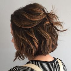 Short hair. Texture, volume. Using hair dryer, curling iron, fingers, round brush. Hair spray.