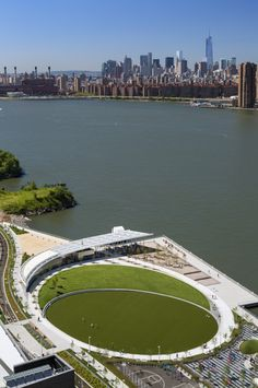 Hunter's Point South Waterfront Park / Thomas Balsley Associates + Weiss Manfredi
