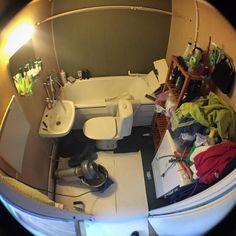 Siirsimme uuden asunnon wc-istuimen pesualtaan eteen! Nyt voi pestä käsiä ja hampaita samalla kun tuuttaa tulemaan. #t
