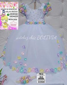 Junina Girls Formal Dresses, Little Dresses, Little Girl Dresses, Nice Dresses, Flower Girl Dresses, Wedding Dresses, Crochet Tutu, Kids Gown, Baby Gown