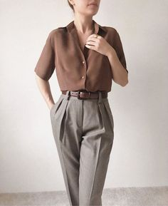 Taking power dressing to the next level with Get your smart pieces at… Power Dressing, Mode Outfits, Casual Outfits, Fashion Outfits, Girl Outfits, Stil Inspiration, Casual Mode, Vintage Outfits, Vintage Fashion