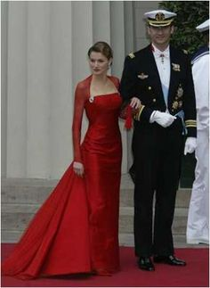 Letizia Ortiz Rocasolano {about a week before she became Princess of Asturias}, attending the Danish Crown Princely Wedding in Copenhagen, May 14, 2004