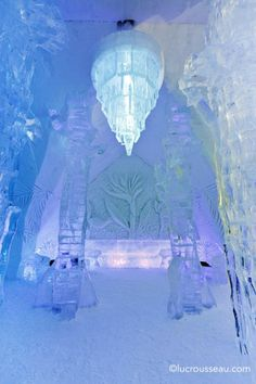 Hotel du Glace in Quebec City. Been to Quebec City but missed out on visiting the hotel. Heard awesome things about it. Ice Hotel Quebec, Quebec City, Iron Fey, Event Planning Guide, Unusual Wedding Venues, Wedding Ideas, Samuel De Champlain, Ice Castles, Ice Art
