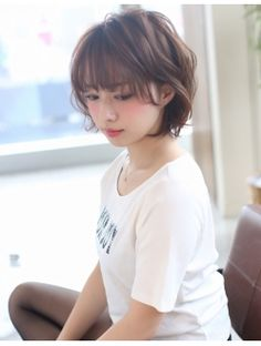 AFLOAT【伊輪宣幸】ニュアンスかわいいショートボブ!!2 Korean Short Hair, Short Curly Hair, Short Hair Cuts, Curly Hair Styles, Plaits Hairstyles, Hairstyles Haircuts, Pretty Hairstyles, Thin Hair Haircuts, Hair Brained