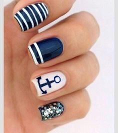 Love the anchor & glitter