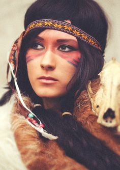New makeup halloween indian tiger lilies Ideas Native American Makeup, Native American Face Paint, Native American Women, Native American Indians, Tribal Face Paints, Indian Face Paints, Looks Halloween, Halloween Makeup, Halloween Ideas