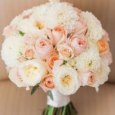 12 Stunning Wedding Bouquets (Royce Sihlis Photography)