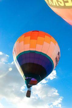 O céu de Anápolis receberá um colorido diferente entre os dias 30 de julho e 02 de agosto, com a chegada do 2° Festival de Balonismo de Anápolis. O evento faz parte das festividades de 108 anos da cidade. Saiba mais no site www.arrozdefyesta.net.
