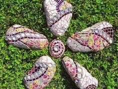 mosaic stones garden-inspirations-tips
