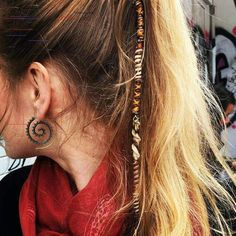 Beautiful hair wraps from DiKARiCrafts. jewelry Sevilla Beautiful hair wraps from DiKARiCrafts. Jewelry The post Beautiful hair wraps from DiKARiCrafts. jewelry Sevilla appeared first on Star Elite. Bohemian Hairstyles, Box Braids Hairstyles, Gorgeous Hairstyles, Simple Hairstyles, Hippie Hair, Gypsy Hair, Estilo Hippie, Hair Designs, Hair Trends