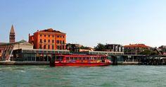 Passeio de barco turístico em Veneza #viajar #viagem #itália #italy