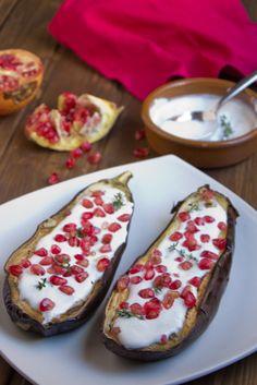 Yerbabuena en la cocina: Berenjenas con salsa de yogurt y granadas