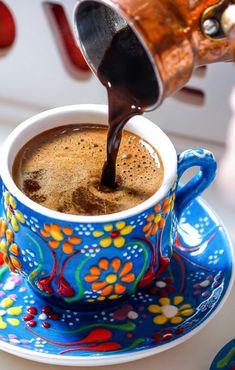 Bild - Cafes/Coffee/Tea and their Gestalt - Coffee And Books, Coffee Set, I Love Coffee, Coffee Cafe, Coffee Break, Coffee Drinks, Cozy Coffee, Coffee Logo, Iced Coffee