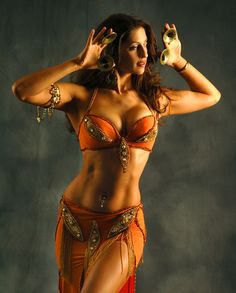 "So I quote the previous pinner: ""the perfect belly dancing body!"" Um... is there such a thing? Many body types are good. Want to facepalm. Like the zills (she is astoundingly fit) I'll slowly back away now. o.O"