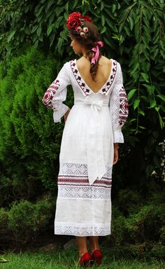 Embroidered Clothes, Embroidered Blouse, Embroidery Dress, Ukrainian Dress, Lace Dress, Dress Up, Ukraine Women, Mode Simple, Mexican Dresses