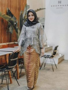Model Kebaya Muslim, Model Kebaya Brokat Modern, Kebaya Modern Hijab, Dress Brokat Modern, Kebaya Hijab, Dress Brukat, Hijab Dress Party, Batik Dress, Dress Outfits