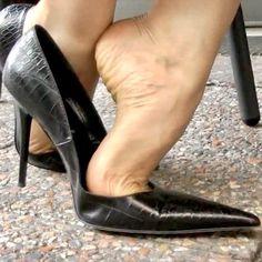 Sexy Legs And Heels, Sexy High Heels, Womens High Heels, Nylons Heels, Pumps Heels, Stiletto Heels, Beautiful High Heels, Gorgeous Feet, Feet Soles