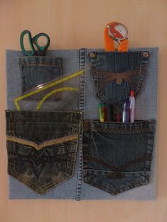 karinskreativeshaus: Jeans als Pinwand Casual Shorts, Blog, Diy, Women, Fashion, Old Jeans, Repurpose, Breien, Moda