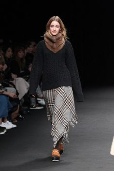 Beautiful People Tokyo Fall 2015 Collection Photos - Vogue