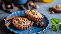 Košíčky s ořechovou náplní. Muffin, Breakfast, Food, Morning Coffee, Essen, Muffins, Meals, Cupcakes, Yemek