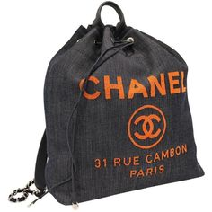 Pre-owned Chanel Cloth Backpack ($4,045) ❤ liked on Polyvore featuring bags, backpacks, navy, backpack bags, pre owned bags, navy blue backpack, chanel backpack and knapsack bag
