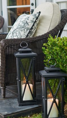 With a look befitting a 19th century New England carriage house, our cast-aluminum showpiece delivers refined accent lighting at an exceptional price. | Frontgate: Live Beautifully Outdoors