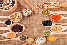 Bakliyatların Bilinmeyen Faydaları Bakliyatların Bilinmeyen Faydaları  Türk mutfağında önemli bir yere sahip olan bakliyatlar tohumu ya da meyveleri yenen bir bitkidir. Bakliyatl...